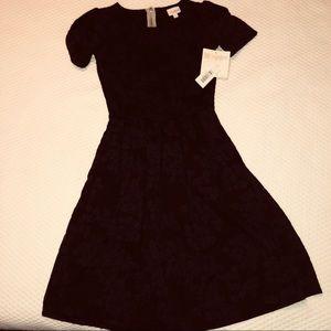Dresses & Skirts - NEW Lularoe Amelia dress